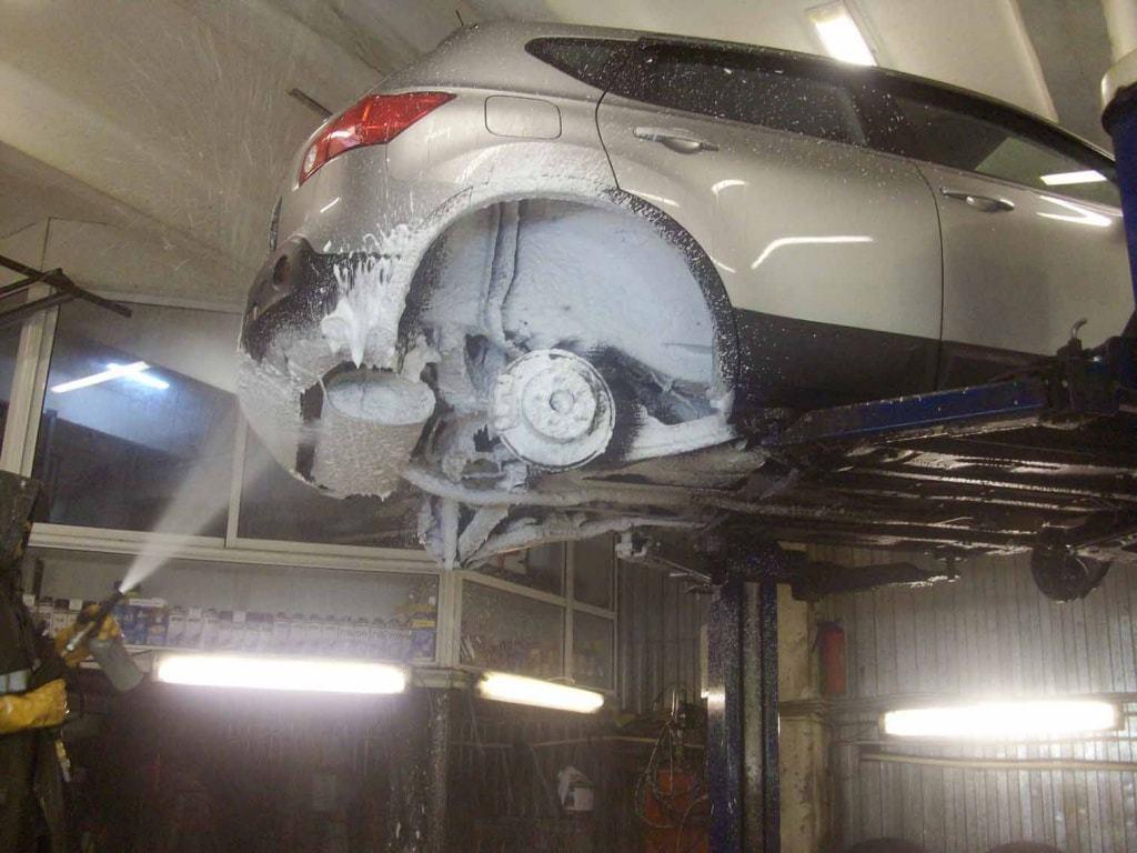 фото обработка автомобиля антикором
