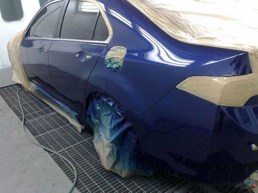 фото покраска автомобиля в автосервисе